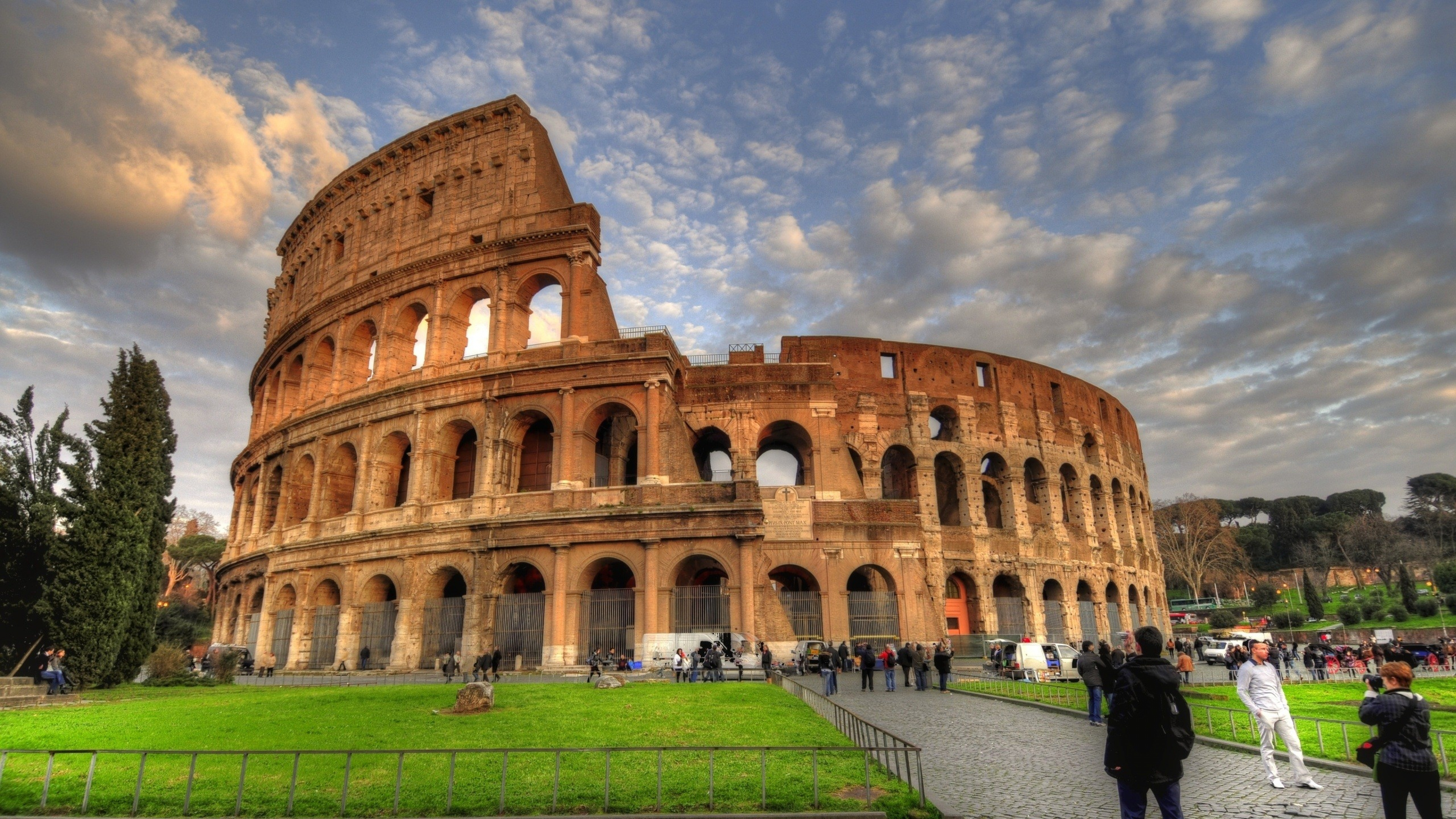 Colosseum, The Arena of Life And Death of The Rome ...