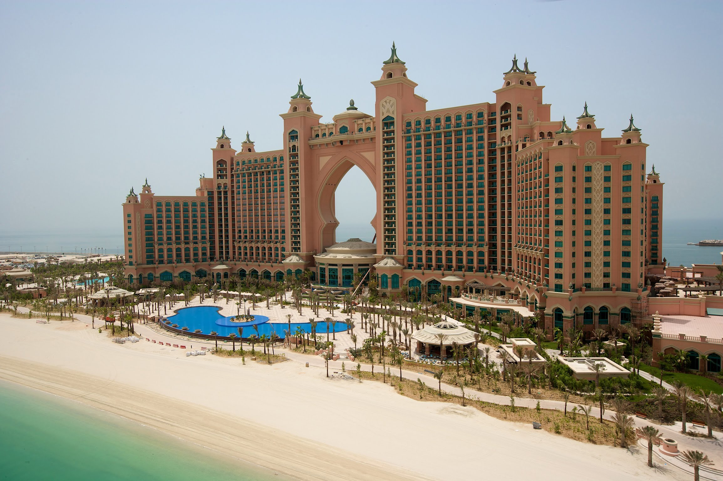 Palm jumeirah dubai united arab emirates for Emirates hotel dubai