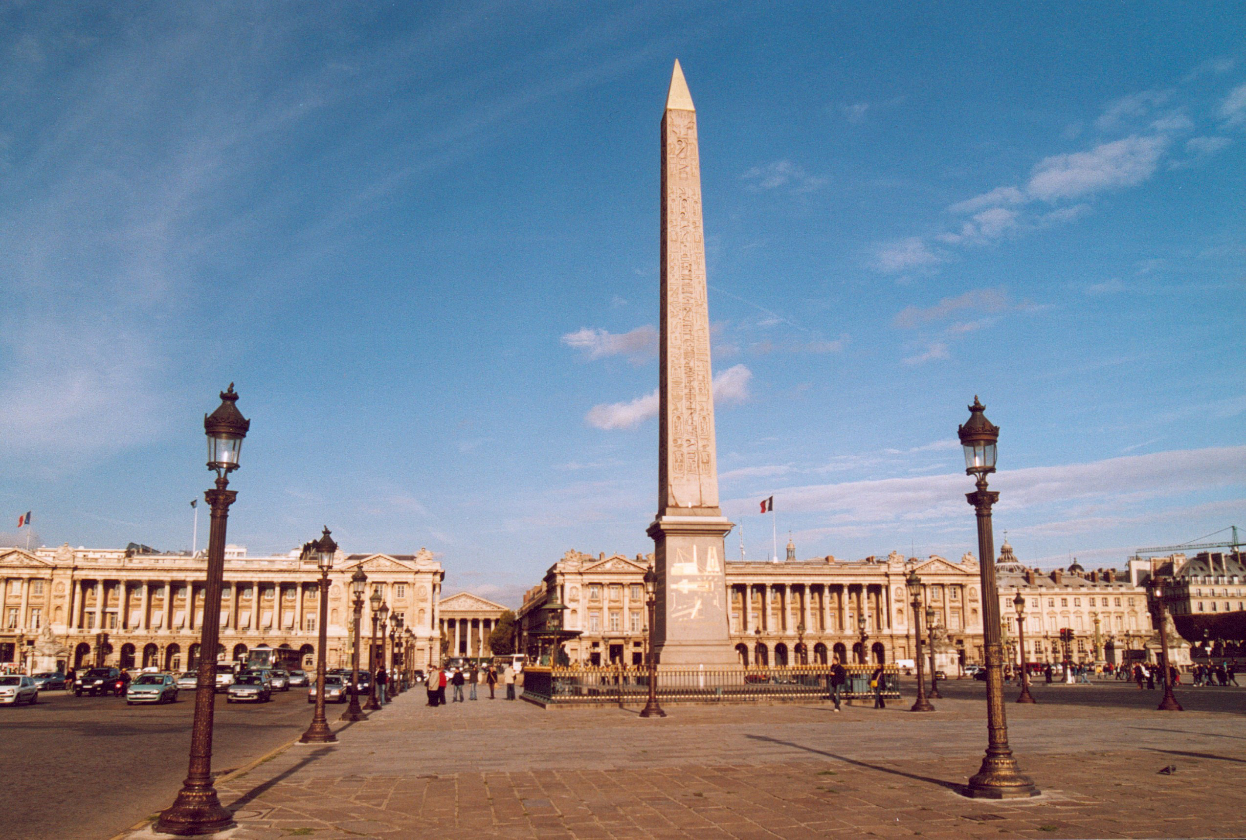place de la concorde the most famous square in paris. Black Bedroom Furniture Sets. Home Design Ideas