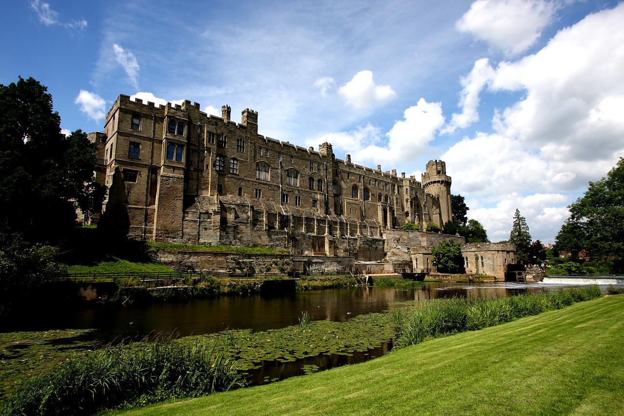 Warwick Castle Photo Outside Area