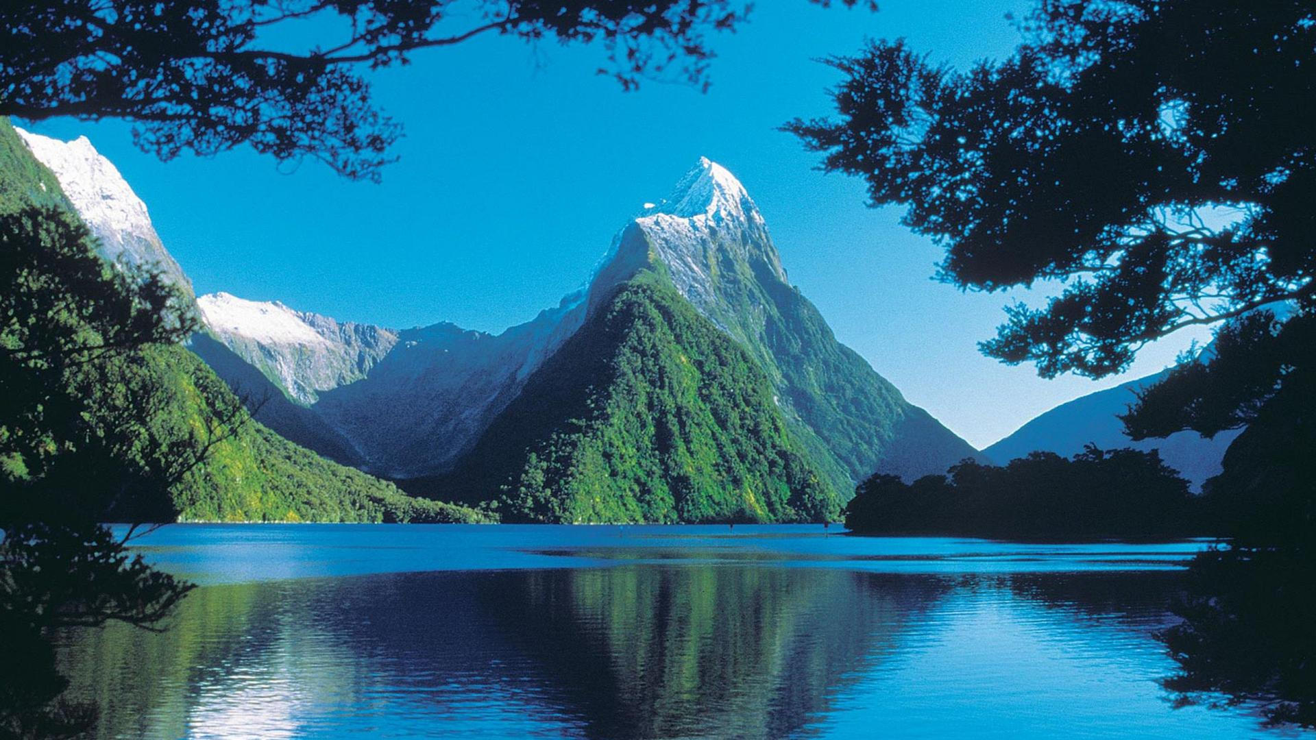 Fiordland National Park Milford Sound
